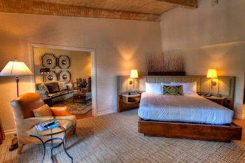 Guestroom at Rancho Bernardo Inn San Diego - A Golf and Spa Resort in San Diego