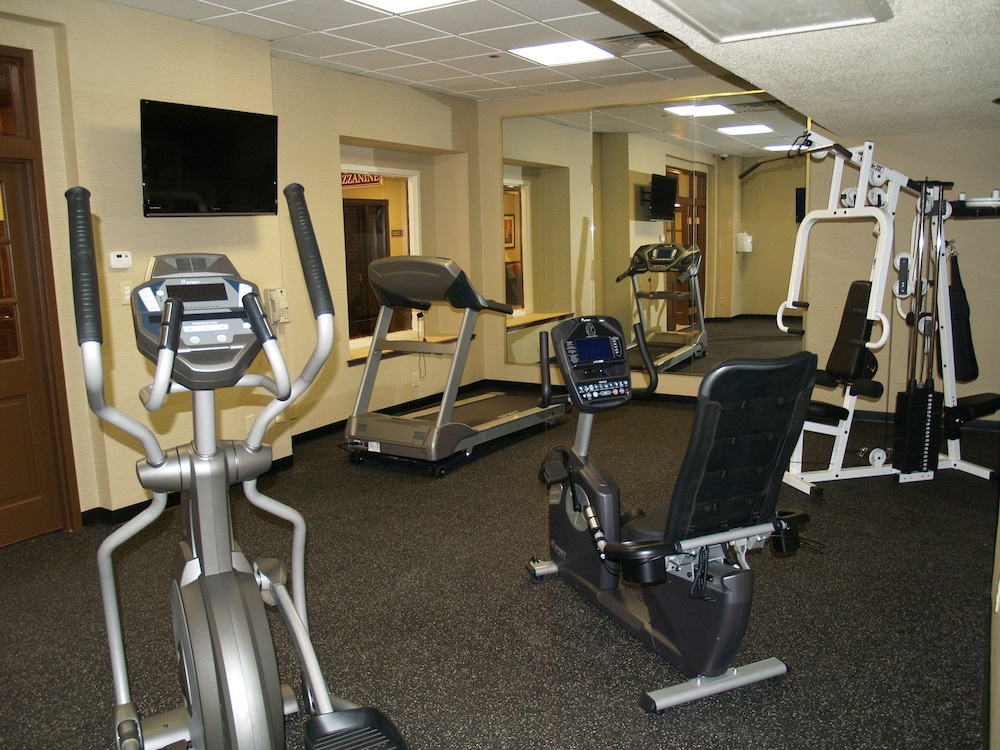 Health and Fitness : Fitness Facility 36 of 176