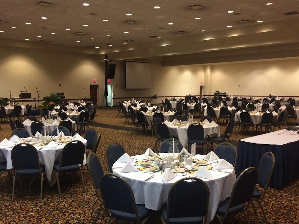아트리움 호텔 앤드 컨퍼런스 센터(Atrium Hotel and Conference Center) Hotel Image 14 - Banquet Hall