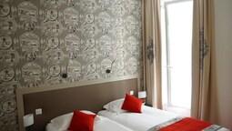 Traditional İki Ayrı Yataklı Oda