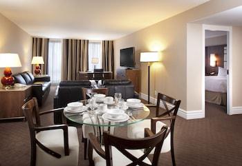 Premier Suite (King Bed)