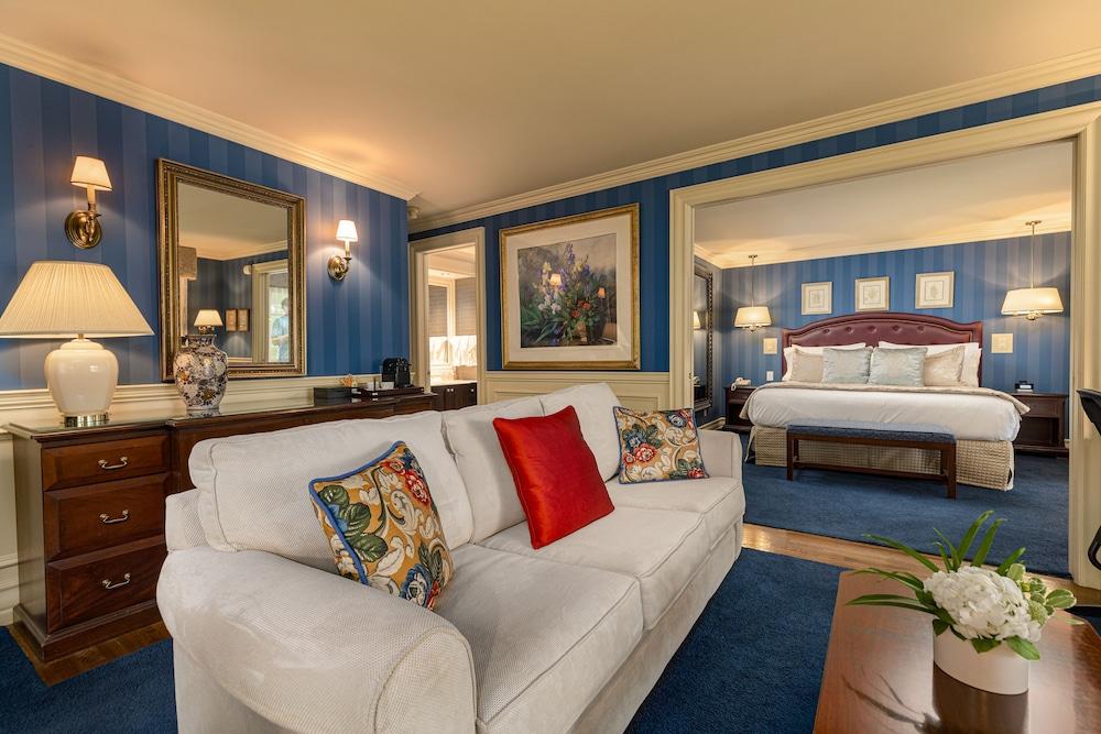 https://i.travelapi.com/hotels/1000000/10000/3200/3183/5f730604_z.jpg