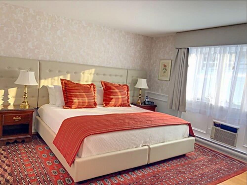 https://i.travelapi.com/hotels/1000000/10000/3200/3183/c95d27dc_z.jpg
