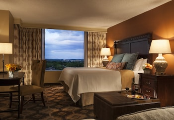 Suite, 1 King Bed (Omni Suite)