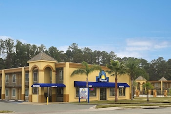 Days Inn by Wyndham Brunswick/St. Simons Area