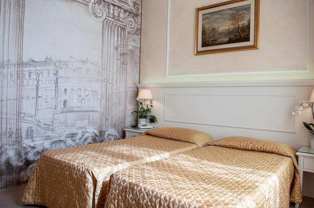 Hotel Palladium Palace, Featured Image