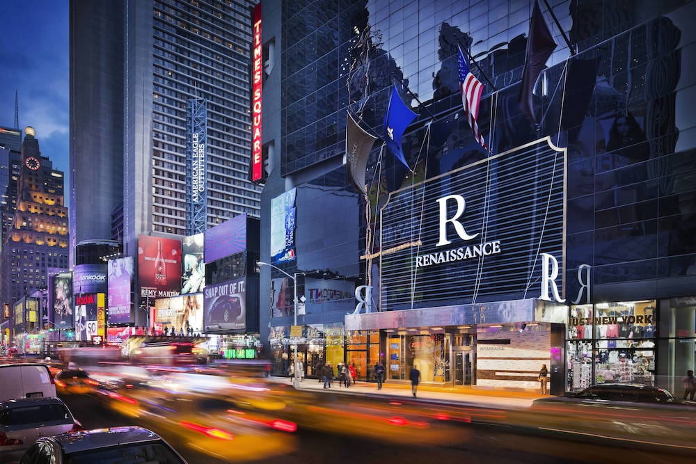 Renaissance New York Times Square Hotel | Classic Vacations