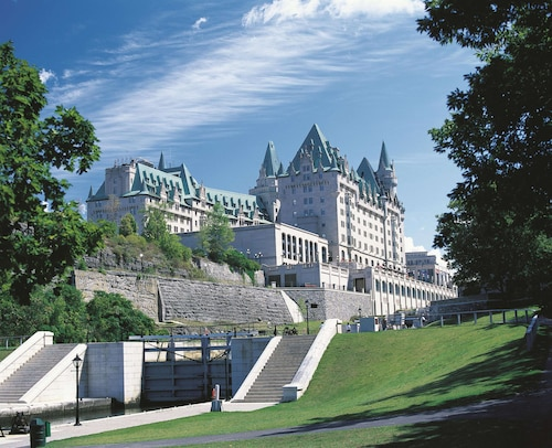 __{offers.Best_flights}__ Fairmont Chateau Laurier