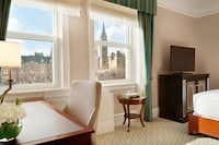 Fairmont Room, 2 Double Beds, Parliament View - Newly Renovated