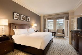 Fairmont Gold, Room, 1 King Bed, Non Smoking