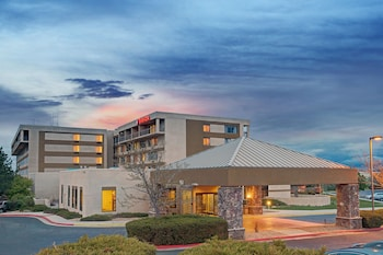 Ramada Hotel And Suites Englewood-Denver South