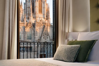 Classic Room, Terrace, Cathedral View