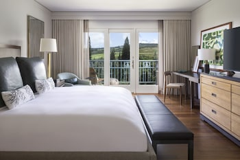 Club Room, 1 King Bed, Ocean View (Complimentary Food&Beverage in Lounge)