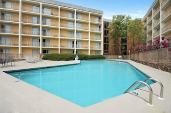 Hotel - Days Inn by Wyndham Birmingham AL