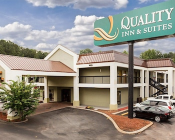 Hotel - Quality Inn & Suites at Six Flags