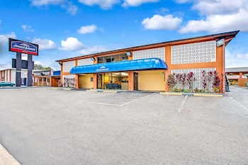 Hotel - Howard Johnson Hotel by Wyndham Tampa Airport/Stadium