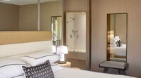 Signature Suite, 1 King Bed with Sofa bed
