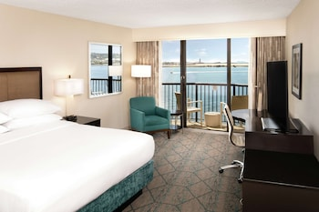 Superior Room, 1 King Bed, Harbor View