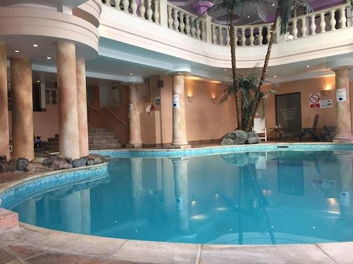 . The White Hart Hotel