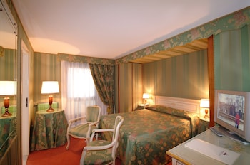 Double or Twin Room, Canal View