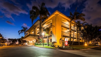 Hotel - Best Western Plus Orange County Airport North