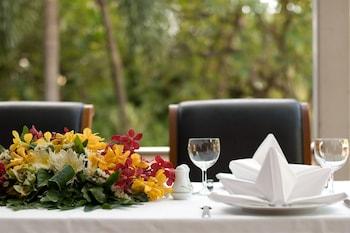曼谷美殿河畔飯店
