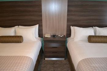 Single Room, 2 Queen Beds, Accessible