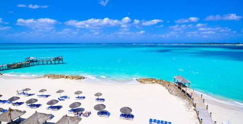 . Sandals Royal Bahamian - ALL INCLUSIVE Couples Only