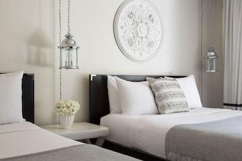 Premium Studio, 2 Queen Beds