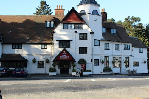 The Devil's Punchbowl Hotel, Surrey