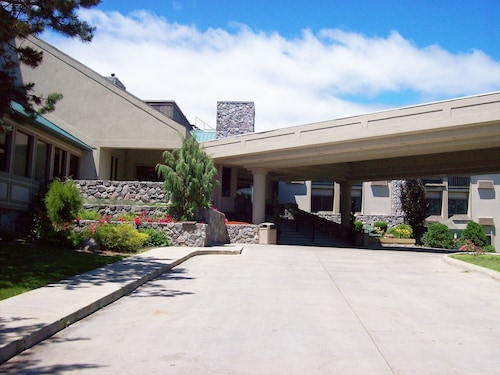 . Bay Valley Resort & Conference Centre