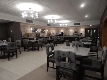 Best Western Plus Bradford Inn - Breakfast Area  - #0