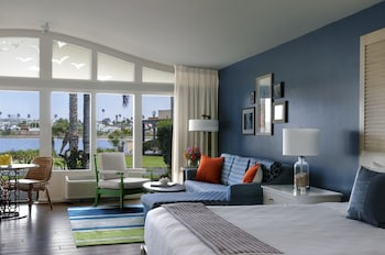 Junior Suite, 1 King Bed (Bayside)
