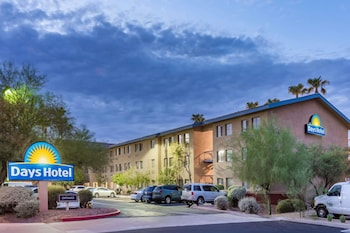 Hotel - Days Hotel by Wyndham Mesa Near Phoenix