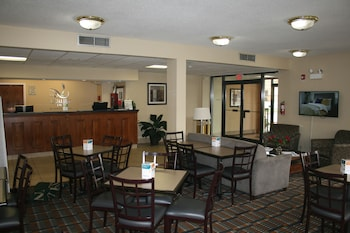 Quality Inn Fredericksburg, Central Park Area - Food Court  - #0