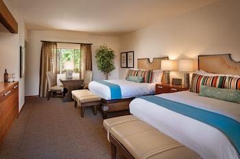 Suite, 2 Bedrooms (Casita 1 King + 2 Queen)