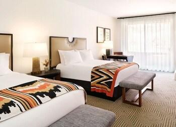 Room, 2 Queen Beds (Casita)