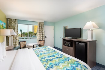 Standard Room, 1 King Bed, Non Smoking, Microwave (Gulf View)