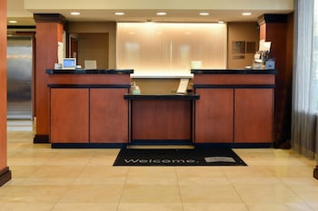 Hartford Vacations - Fairfield Inn & Suites Hartford Airport - Property Image 1
