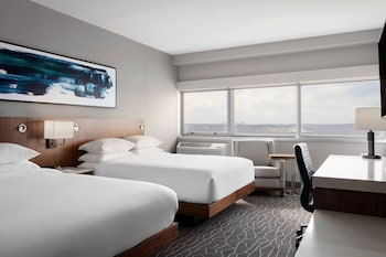 Club Room, 2 Queen Beds (Club Level)