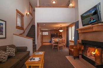 Premier Loft (2 Bedroom Condo - with Game room)