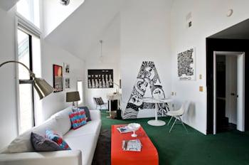 Local Artist Suite #4