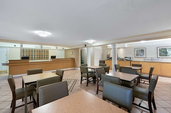 鳳凰城天港國際機場溫德姆拉昆塔飯店 La Quinta Inn by Wyndham Phoenix Sky Harbor Airport