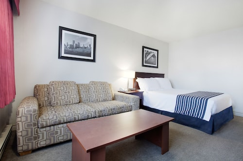 Sandman Hotel Edmonton West, Division No. 11