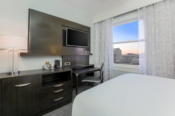 Room, 1 Queen Bed, City View