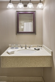 St Michaels Vacations - Sheraton Inner Harbor Hotel - Property Image 1