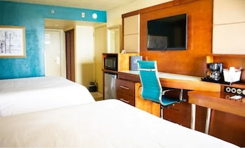 Standard Room, 2 Queen Beds, Bay View