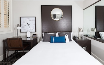 Urban Cityscape Retreat, One Queen Bed