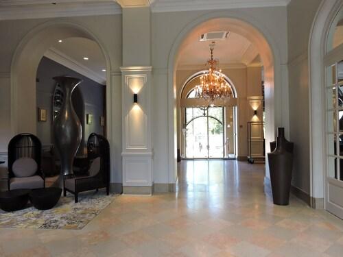 . Grand Hotel La Cloche Dijon MGallery