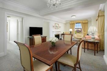 Executive Suite, 1 Bedroom (Interior View)